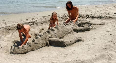 naturism kids gallery sports games and family activities at the naturist holiday