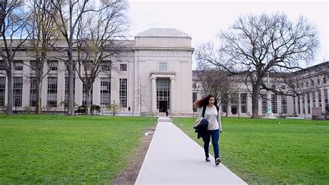 Mit Mba Courses Free by Mit Best Next House With Mit Free Mit Signs Agreement To