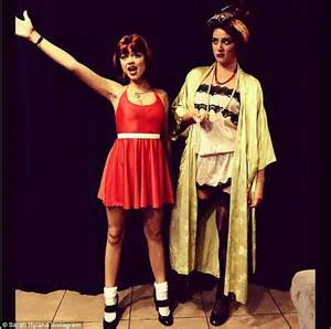 Dresses up as annie for kate hudson s star studded halloween party