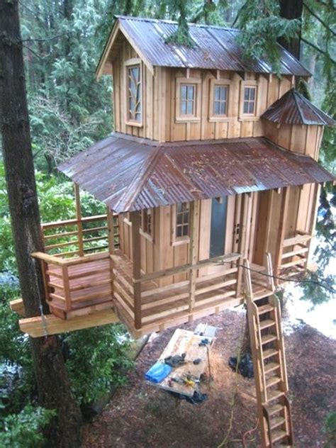 awesome tree houses awesome tree houses justin s favorites pinterest