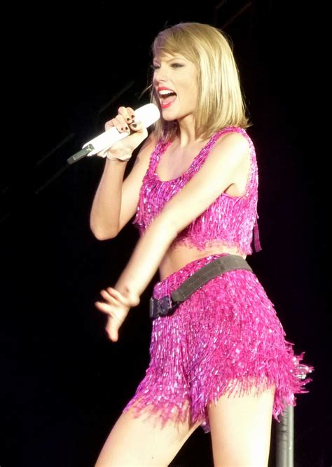 taylor swift albums success taylor swift performs at 1989 world tour concert in