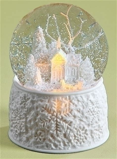 battery operated snow globes christmas snow globes and glitterdomes gifts and collectibles