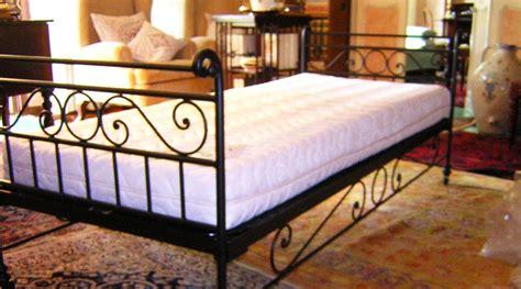 poltrone in ferro battuto divani e poltrone in ferro batturo arduini artigiani