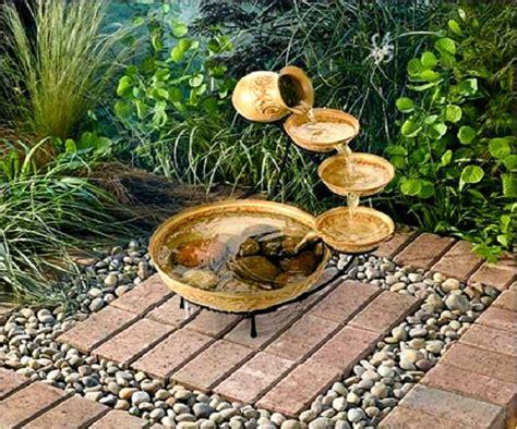 lade da giardino a energia solare le fontane solari da giardino caratteristiche di alcuni