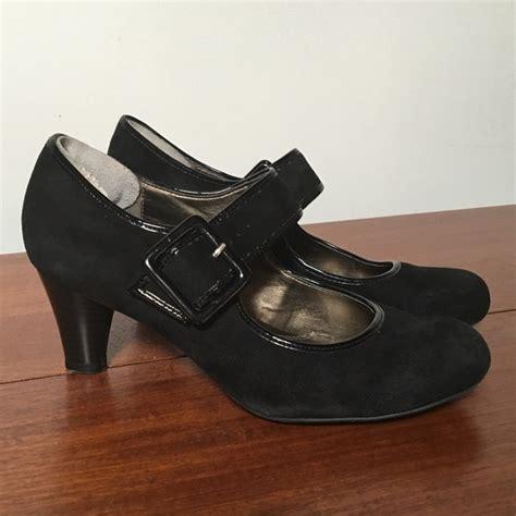70 naturalizer shoes black suede pumps by