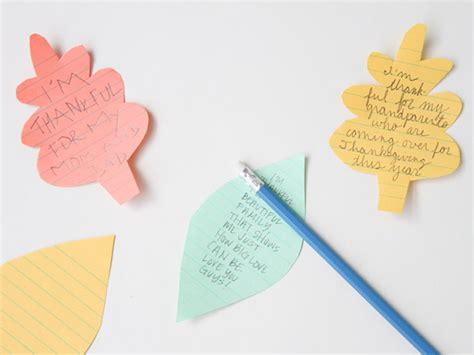 writing wishes on paper diy thanksgiving table runners project mumtastic