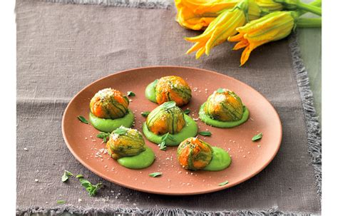 fiori di zucchina ricette ricetta fiori di zucca farciti alla mozzarella le