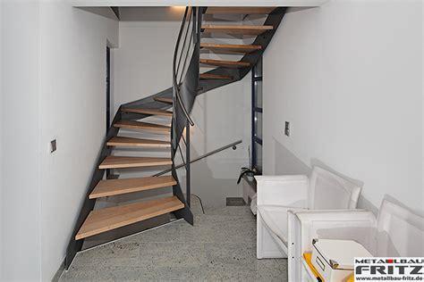 treppe handlauf innen ausentreppe mit holz belegen bvrao