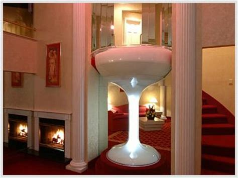 Martini Glass Bathtub Hotel by A Seven Foot Bath For Two In The Shape Of A