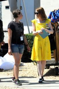 emma stone la la land yellow dress emma stone in yellow dress on la la land set 16 gotceleb