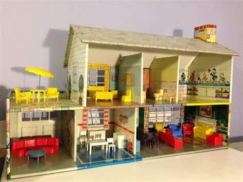 tin doll house 83 best marx dollhouses images on pinterest old fashioned toys vintage dollhouse and doll houses