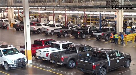 ford dearborn plant the 2015 ford f 150 roll the assembly line