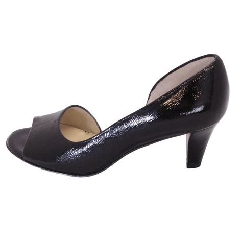 toe shoes kaiser jamala iconic black crackled patent open