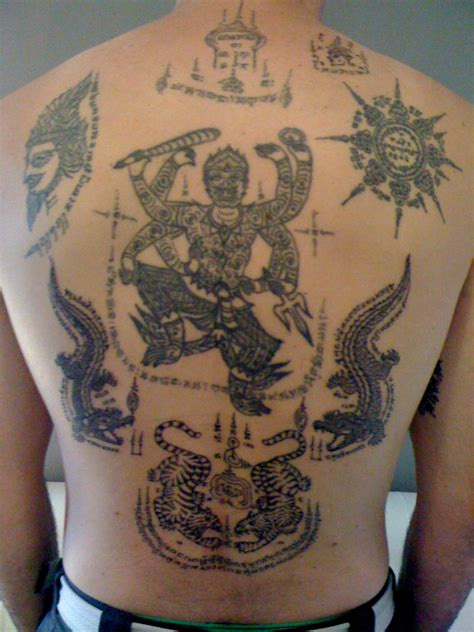 thai buddha tattoo designs sak yant thai temple tattoos sakyant tattoos 25