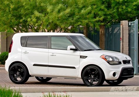 Kia Soul With Rims Kia Soul Custom Wheels Giovanna Marbella 18x Et Tire