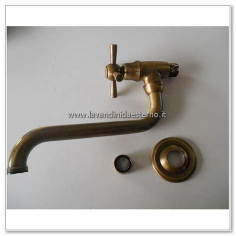 rubinetto lavatoio rubinetto a muro snodato ru304 lavandini da esterno