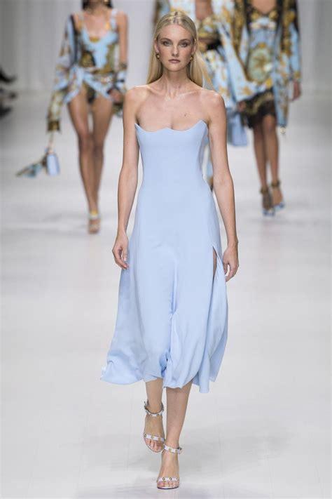 Carolin Blus versace s s 18 show versace