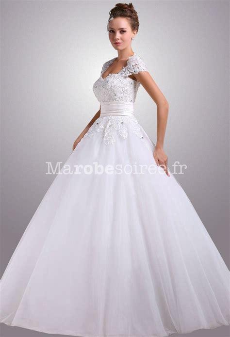 Robe de mariée manche courte dentelle
