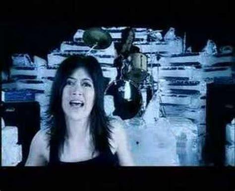 lirik lagu utopia antara ada dan tiada video klip lagu utopia galeri video musik 2 wowkeren com