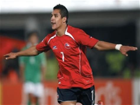 alexis sanchez date of birth alexis s 225 nchez biography birth date birth place and pictures