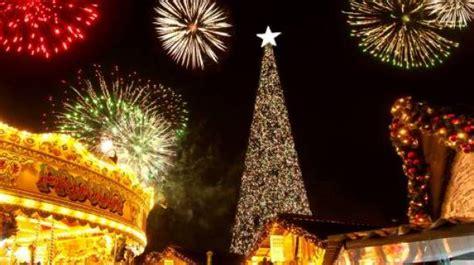 christmas at cheshire oaks designer outlet visitengland