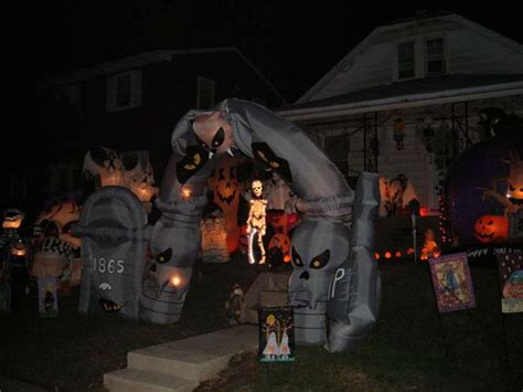 scary halloween yard displays spooky halloween front yard decorations damn cool pictures