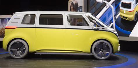 volkswagen buzz price volkswagen id buzz il nuovo bulli elettrico e a guida