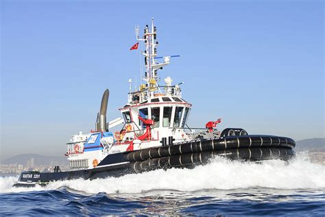 tugboat builders first of new class for italian terminal leading tugboat