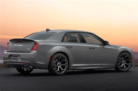 Chrysler 300 Motor 2018 chrysler 300 reviews and rating motor trend