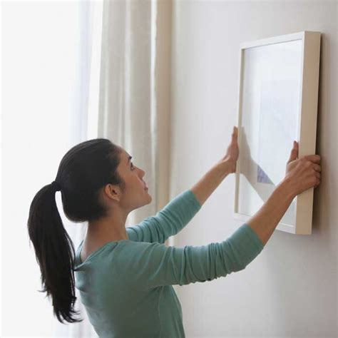 Stick On Wall To Hang Pictures