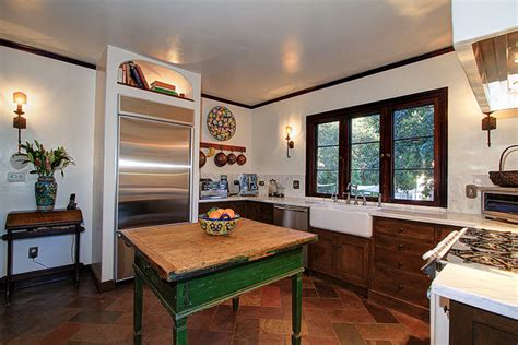 renovated 1925 colonial in altadena for sale 11