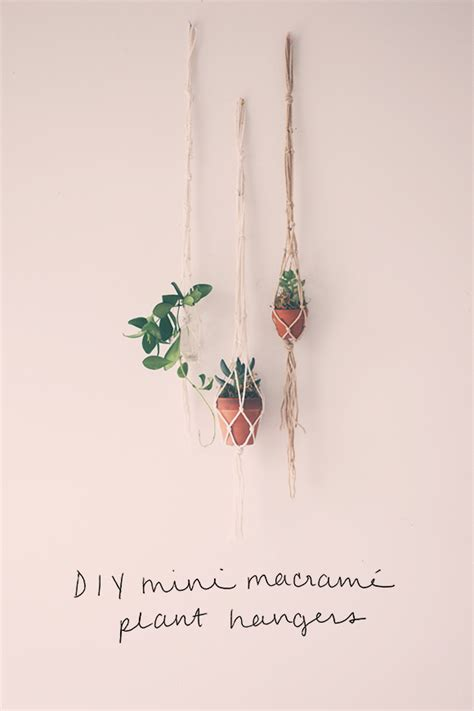 How To Make A Macrame Hanging Planter - diy macrame plant hangers