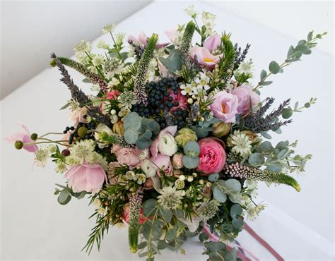 Wedding Bouquets Uk by The Best A W Bridal Bouquets Uk Wedding So You Re