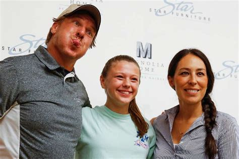 chip and joanna gaines contact 28 images owners of joanna gaines greets throngs of fans at star furniture in