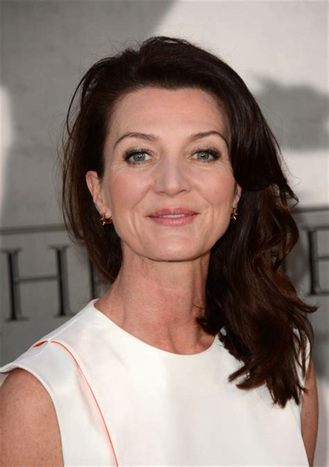 michelle fairley tall michelle fairley height weight body measurements