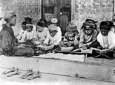 comfort women wikipedia file collectie tropenmuseum een koranschool op java tmnr