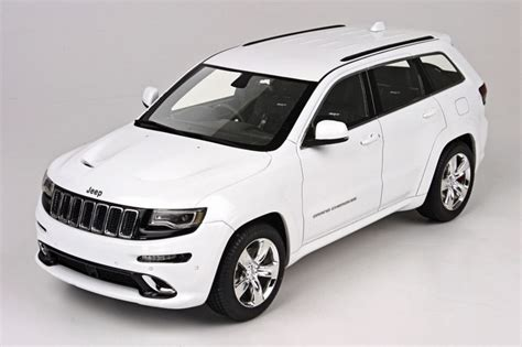 jeep srt 2015 white top marques collectibles made 1 18 jeep grand srt