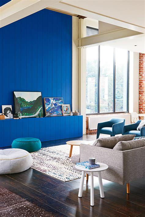 Mur Bleu Roi by Bleu Mer Bleu Roi Comme Le Mur Du Loft De Feagins