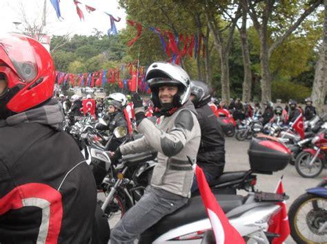 goezuem acik gitmem motosikletli kiz