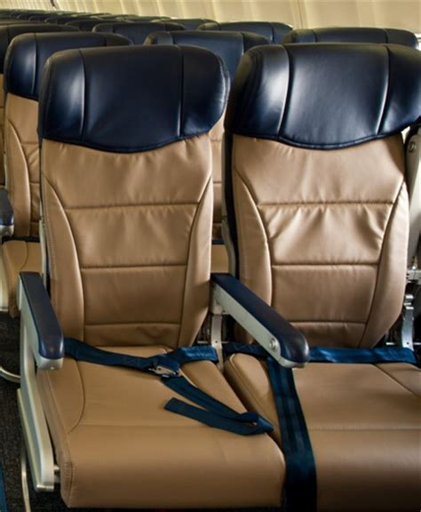 southwest airlines seat pitch southwest airlines seat pitch and width brokeasshome