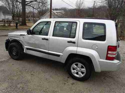 wrecked jeep liberty find used 2012 jeep liberty 4x4 non salvage damaged