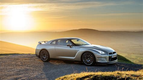 nissan gt   anniversary gold edition wallpapers hd images wsupercars