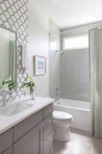 ideas for small guest bathrooms 25 best ideas about small bathroom remodeling on