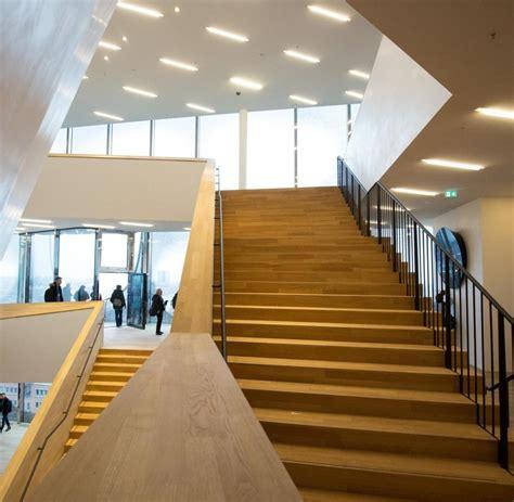 foyer treppen barrierefreiheit elbphilharmonie zumutung f 252 r blinde