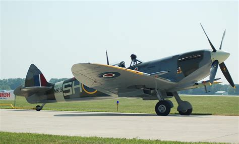 mount comfort air show file supermarine spitfire mk ix indianapolis air show