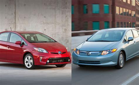 Compare Honda Civic Hybrid And Toyota Prius 2012 Toyota Prius Vs 2012 Honda Civic Hybrid Car Reviews