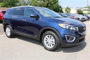Blue Kia Sorento 2017 Kia Sorento Blue 200 Interior And Exterior Images