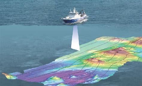 boat sonar marine geophysics marine surveys ocean floor