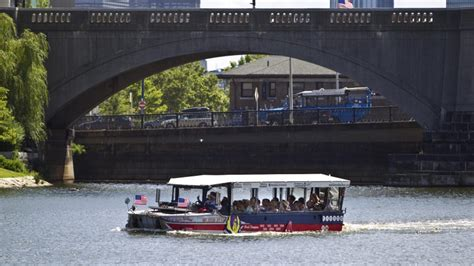 boat safety rules new duck boat safety rules approved in massachusetts