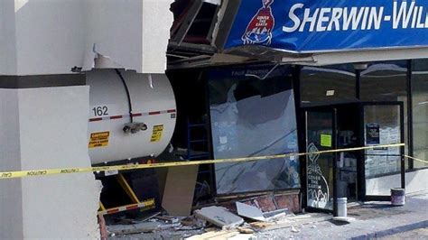 sherwin williams paint store richmond ky recycling truck drives into davenport paint store local